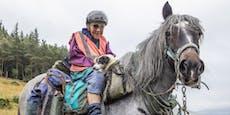 80-Jährige reitet jährlich sieben Wochen am Stück!