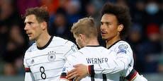 Notlandung: DFB-Stars saßen stundenlang in Flieger fest