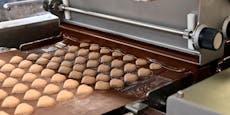 So werden Wiens bekannteste Schoko Maroni hergestellt