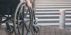 Seriendieb versteckte Beute im Sitz des Rollstuhls