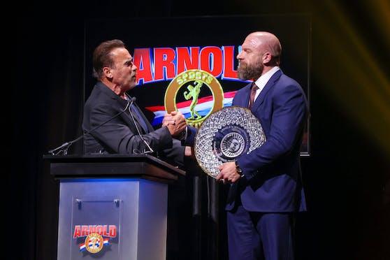 Arnold Schwarzenegger zeichnete Triple H vergangenes Jahr beim Arnold Sports Festival für sein Lebenswerk aus.