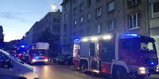 Für einen Großeinsatz der Feuerwehr sorgte ein Gasaustritt im 15. Bezirk in Wien