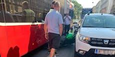 18-jähriger Fahrschüler knallt mit Bike in Wiener Bus
