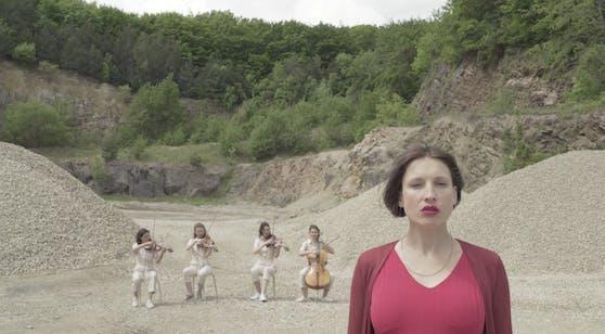 Sängerin Sigrid Horn veröffentlichte heute ihr Remake.