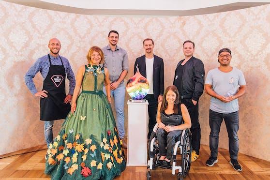 """Am 13. """"Diversity Ball"""" kann man Glas-Skulpturen von Peter Kuchler III. ersteigern."""