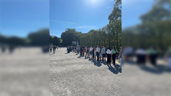 Wer am Freitag in den Tiergarten Schönbrunn mochte, musste mit längeren Wartezeiten rechnen.