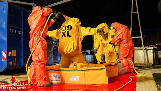 Der Giftstoff konnte unter Anwendung von Spezialausrüstungen und Spezialgeräten gesichert gelagert werden.