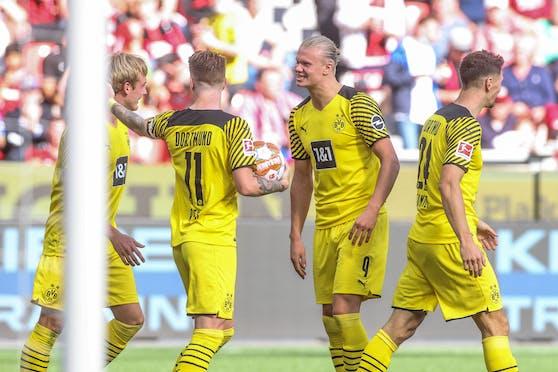 Erling Haaland fixiert den Dortmund-Sieg.