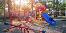 Jugendlicher vergewaltigt 19-Jährige auf Spielplatz