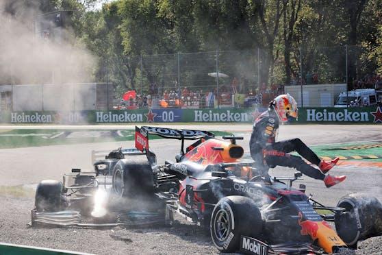 Max Verstappen wird die Schuld am Unfall mit Lewis Hamilton gegeben.