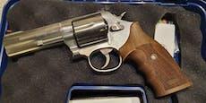 Seniorin (85) schießt in Wien mit Revolver von Balkon