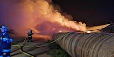 Großer Strohballenbrand im Bezirk Gänserndorf