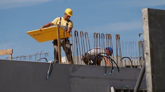 Neben Tourismus, Handel und Gastronomie sind derzeit in der Baubranche viele Stellen offen.