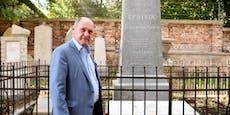 Sobotka übergibt IKG restauriertes Epstein-Grab