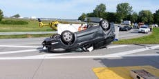 Welser (20) kracht mit Auto gegen Lkw und stirbt