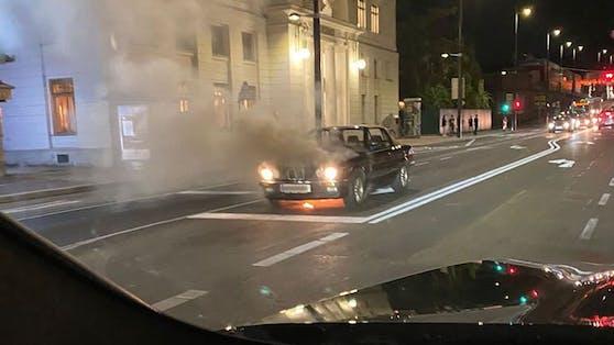 Der 3er-BMW (E30 Cabrio) brannte in Gersthof (Wien-Währing).