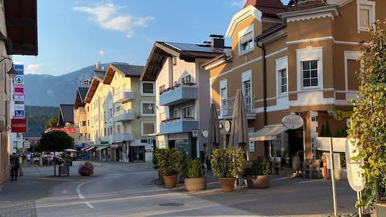 """Ein 24-Jähriger betrat am Montagmorgen eine Bäckerei in Wörgl (T) und schrie: """"Achtung Bombe"""".Die Bahnhofstraße war auf Grund des Vorfalls kurzzeitig gesperrt."""