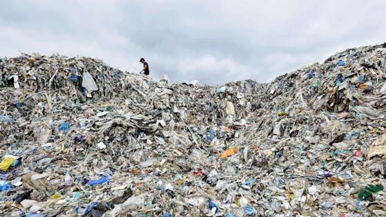 Seit China den Import von Plastikmüll verboten hat, haben Länder in Südostasien eine erhöhte Menge an Plastikmüll akzeptiert - mit verheerenden Folgen für Mensch und Natur.