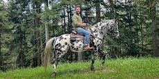 Hirscher tauscht Motocross-Bike gegen ein Pferd