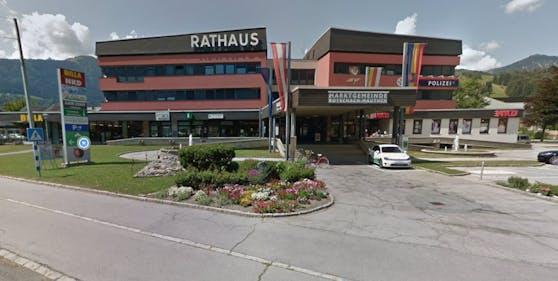 """Das """"s Kabarett"""" fand im Rathaus Kötschach statt."""