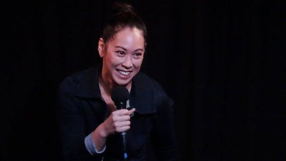 """Die sympathische Oberösterreicherin Miriam Hie wird dem Publikum die Frage """"Who is Hie?"""" mit ihrem gleichnamigen Programm humorvoll beantworten."""