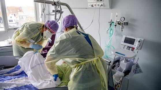Mehr als 200 Corona-Patienten werden derzeit auf der Intensivstation betreut.