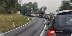Crash im Linzer Frühverkehr sorgt für Stau-Chaos