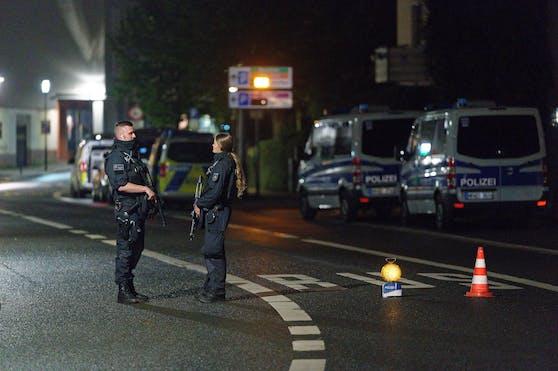 Die Behörden trommelten schwer bewaffnete Polizisten in der Nacht von Mittwoch zum Donnerstag zu einem Großeinsatz zusammen.