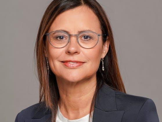 Dr. Esther Mitterstieler