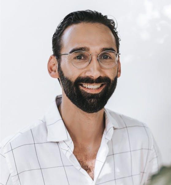 Dr. Dani Lutfi ist plastischer und ästhetischer Chirurg imSanté femme Institut für Frauengesundheit und Experte auf dem Gebiet der Eigenfetttransplantation