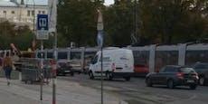 Bim-Stau am Ring - Straßenbahn 2 fuhr nicht mehr