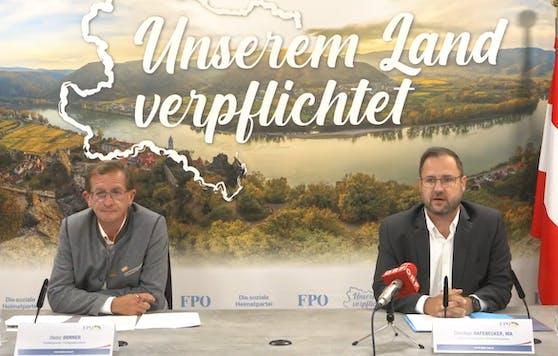 Die FP-Verkehrssprecher Dieter Dorner und Christian Hafenecker bei der Pressekonferenz.