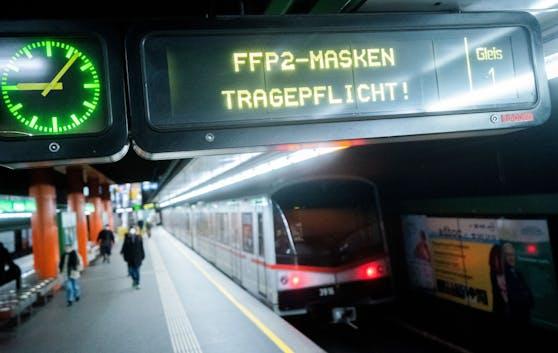 Fahrgäste fordern schärfere Kontrollen der FFP2-Maskenpflicht.