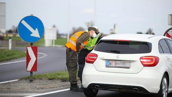 Seit Mitternacht gibt es im Bezirk Braunau wieder strenge Ausreisekontrollen.