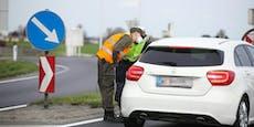 Polizei verbietet ersten Personen in Braunau Ausreise