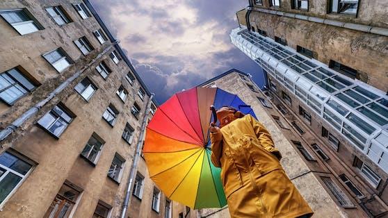 Die kommenden Tage werden windig, kalt und nass - der Sommer kehrt erst im Herbst wieder zurück.
