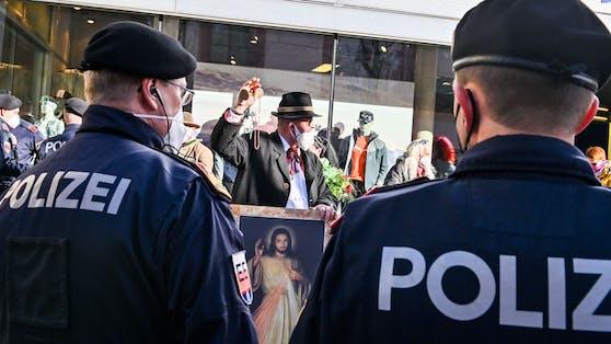 Die Polizeiwar im Februar bei der Anti-Corona-Demo in Innsbruck im Einsatz.