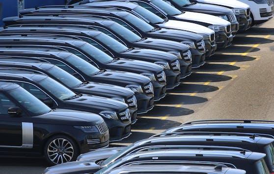 Die Autokonzerne hätten sich nicht auf den Ausstieg von Verbrennungsmotoren bis 2030 festgelegt.