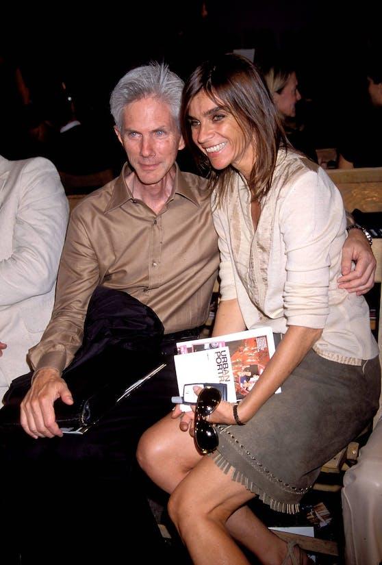 """Richard Buckley 2002 mit der damals noch französischen """"Vogue""""-Modejournalistin Carine Roitfeld."""