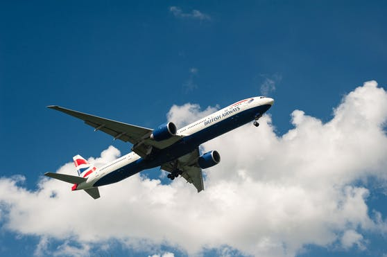 Die Boeing 777 musste in Usbekistan notlanden, weil eine Frau an Bord erkrankt war