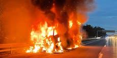 Laster brennt – A1 Richtung Wien vollkommen blockiert