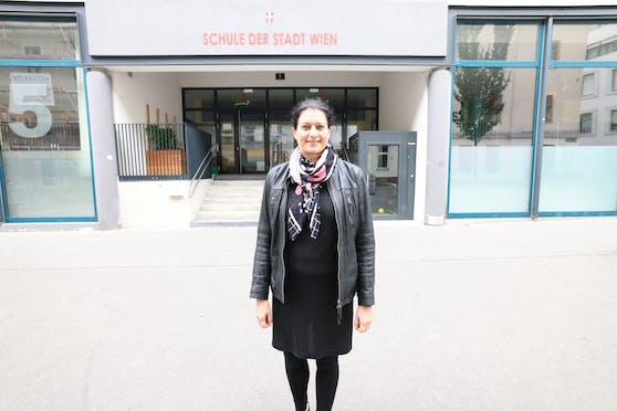 """""""Der Glücks-Unterricht sorgt für ein tolles Miteinander an der Schule"""", sagt Direktorin Christine Stadlmann."""