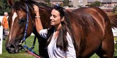 Reiterin (21) stirbt 13 Tage nach Sturz bei Rennen