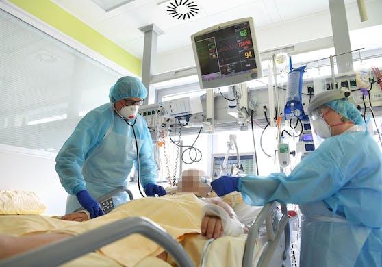 Weil die Lunge versagte, musste der Jugendliche bereits kurz nach seiner Aufnahme auf die Intensivstation verlegt werden. Symbolbild