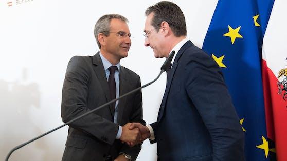Wurde gepackelt? Ex-ÖVP-Finanzminister Hartwig Löger und Ex-Vizekanzler Heinz-Christian Strache(rechts) müssen sich vor Gericht verantworten.