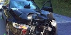 Motorradlenkerin (43) kracht mit PKW zusammen – tot