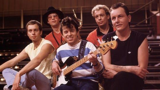 """Franz Trojan (rechts)war Gründungsmitglied und von 1977 bis 1992 Schlagzeuger der """"Spider Murphy Gang""""."""