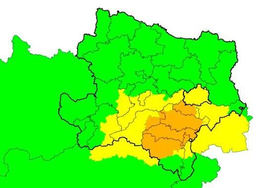 Unwettergefahr (orange) im südlichen Niederösterreich am Freitag. Stand 8 Uhr.