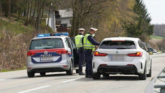 Seit einer Woche gelten in Braunau im Kampf gegen die steigenden Corona-Zahlen wieder Ausreisekontrollen.