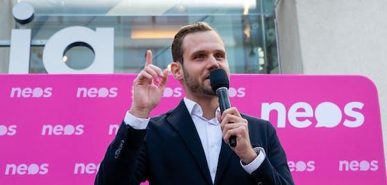 Neos-Spitzenkandidat Felix Eypeltauer darf sich über den Einzug in den oberösterreichischen Landtag fereun.